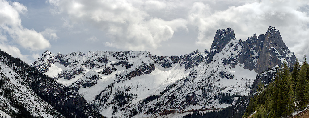 Liberty Bell Mountain, Early Winter Spires and Washington Pass in the North Cascades of the Okanogan-Wenatchee National Forest in Washington State, USA.