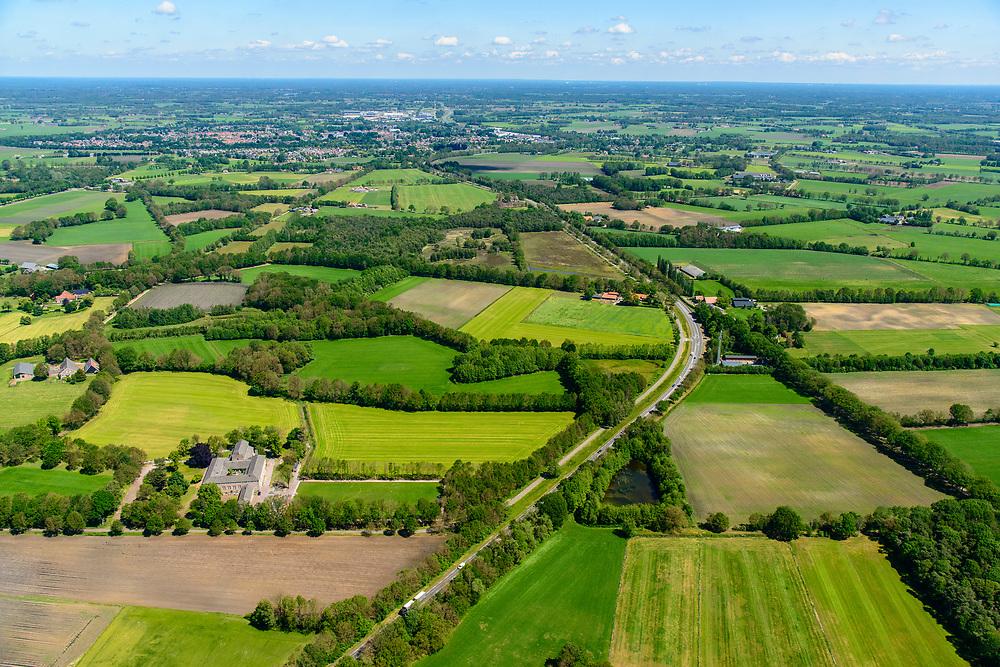Nederland, Gelderland, Achterhoek, 29-05-2019; landelijk gebied tussen Lichtenvoorde en Groenlo. Coulissenlandschap, typisch voor de Achterhoek.<br /> Rural area between Lichtenvoorde and Groenlo. Bocage landscape, typical of the Achterhoek.<br /> <br /> luchtfoto (toeslag op standard tarieven);<br /> aerial photo (additional fee required);<br /> copyright foto/photo Siebe Swart