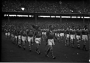 04/09/1960<br /> 09/04/1960<br /> 4 September 1960 <br /> All-Ireland Final: Tipperary v Wexford at Croke Park, Dublin.<br /> Tipperary (left) and Wexford (Right) teams parade.