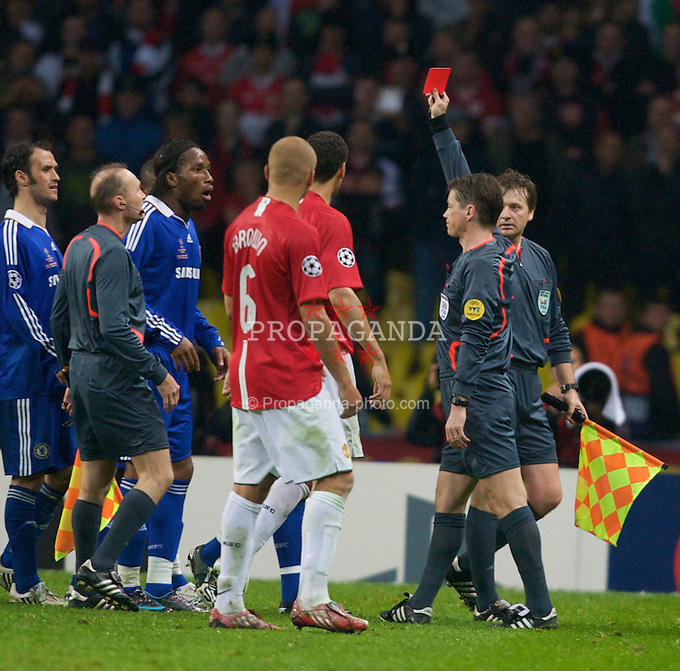 MOSCOW, RUSSIA - Wednesday, May 21, 2008: Chelsea's Didier Drogba is shown the red card by the referee during the UEFA Champions League Final against Manchester United at the Luzhniki Stadium. (Photo by David Rawcliffe/Propaganda)