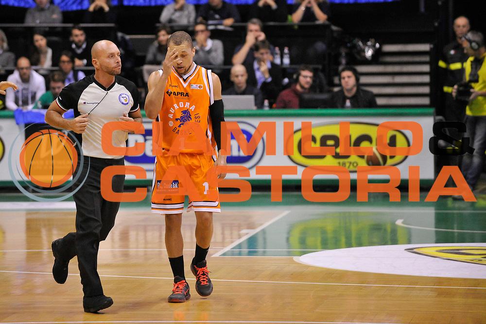DESCRIZIONE : Treviso Lega due 2015-16  Universo Treviso De Longhi - Aurora Basket Jesi<br /> GIOCATORE : josh greene<br /> CATEGORIA : Delusione<br /> SQUADRA : Universo Treviso De Longhi - Aurora Basket Jesi<br /> EVENTO : Campionato Lega A 2015-2016 <br /> GARA : Universo Treviso De Longhi - Aurora Basket Jesi<br /> DATA : 31/10/2015<br /> SPORT : Pallacanestro <br /> AUTORE : Agenzia Ciamillo-Castoria/M.Gregolin<br /> Galleria : Lega Basket A 2015-2016  <br /> Fotonotizia :  Treviso Lega due 2015-16  Universo Treviso De Longhi - Aurora Basket Jesi