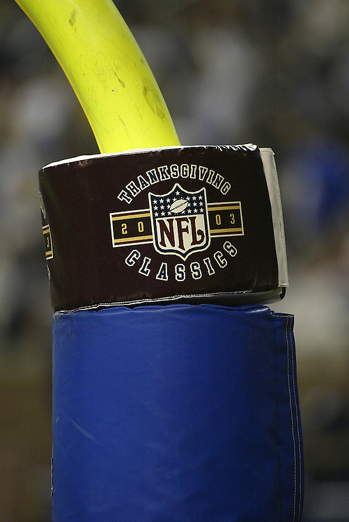Thanksgiving Classics goal post pad during the Detroit Lions 22-14 victory over the Green bay Packers on 11/27/2003. ©JC Ridley/NFL Photos.