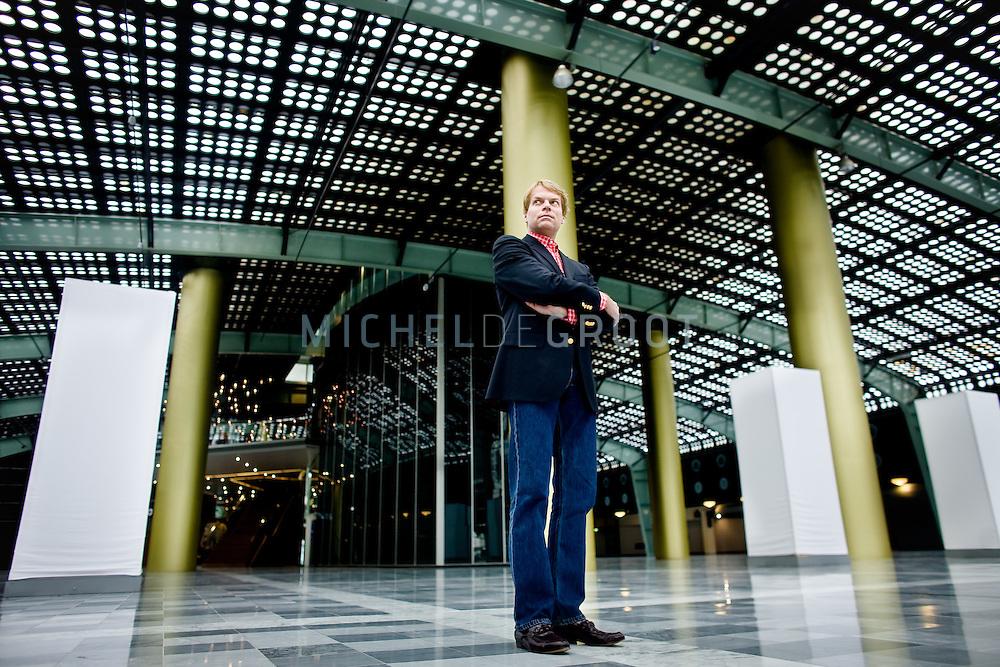 """Kees de Kruiff voormalig VVD-lid en drijvende kracht achter Rita """"TON"""" Verdonk op April 29, 2008 in Rotterdam, The Netherlands. De Kruiff is tevens directeur van het bedrijf ZZP OKE. (photo by Michel de Groot)"""