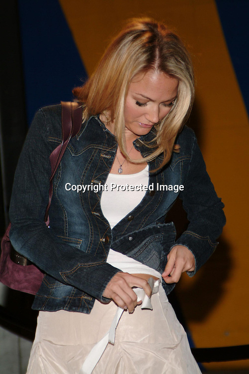 Sarah Wynter<br />CIRQUE DU SOLEIL VEREKAI LA PREMIERE<br />Under the blue and yellow Grand Chapiteau at STAPLES Center<br />Downtown Los Angeles, CA, USA<br />Friday, September 12, 2003<br />Photo By Celebrityvibe.com/Photovibe.com