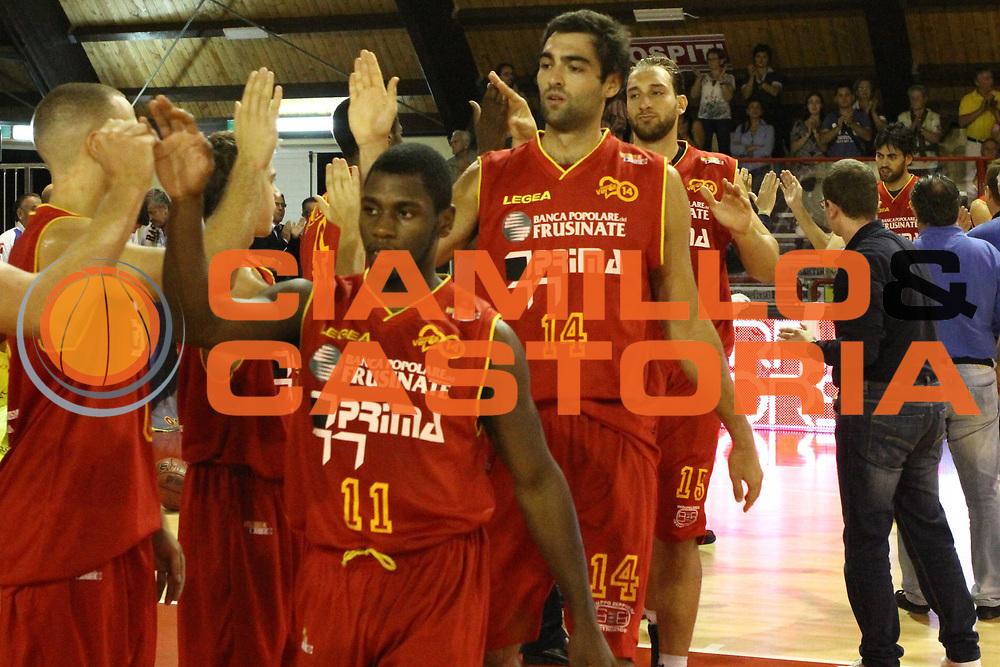 DESCRIZIONE : Ferentino Lega Basket A2 ottavi di finale qualificazioni final four eurobet 2012-13  Fmc Ferentino Prima Veroli <br /> GIOCATORE : Walker Erving<br /> CATEGORIA : curiosita fair play<br /> SQUADRA : Prima Veroli<br /> EVENTO : Lega Basket A2 ottavi di finale qualificazioni final four eurobet 2012-13 <br /> GARA : Fmc Ferentino Prima Veroli <br /> DATA : 26/09/2012<br /> SPORT : Pallacanestro <br /> AUTORE : Agenzia Ciamillo-Castoria/ M.Simoni<br /> Galleria : Lega Basket A2 2012-2013 <br /> Fotonotizia : Ferentino Lega Basket A2 ottavi di finale qualificazioni final four eurobet 2012-13  Fmc Ferentino Prima Veroli <br /> Predefinita :