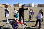 GOBI DESERT, MONGOLIA..09/03/2001.Bayanhongor (Bayankhongor). School kids..(Photo by Heimo Aga).