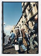 Napoli, No Global Forum, marzo 2001. 15 marzo, azione contro il telecontrollo (oscuramento delle telecamere collocate in strada dal Comune).