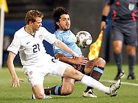 Fotball<br /> Italia v USA<br /> 15.06.2009<br /> Confederations Cup 2009<br /> Foto: Gepa/Digitalsport<br /> NORWAY ONLY<br /> <br /> Bild zeigt Jonathan Spector (USA) und Gennaro Gattuso (ITA)