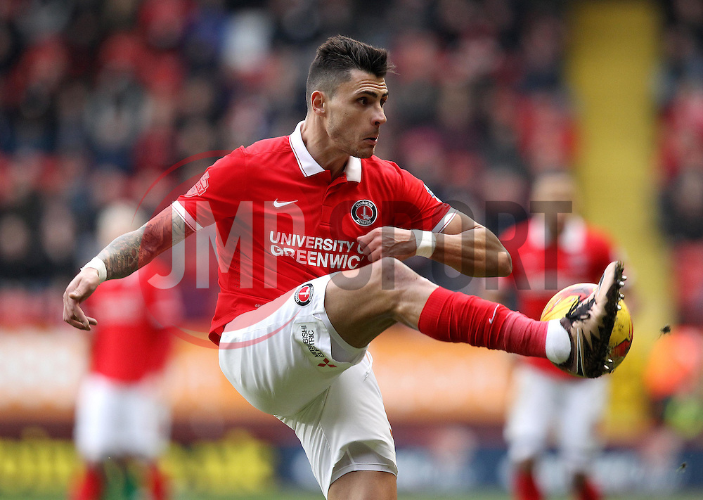 Jorge Teixeira of Charlton Athletic hooks the ball forward - Mandatory byline: Robbie Stephenson/JMP - 06/02/2016 - FOOTBALL - The Valley - Charlton, England - Charlton Athletic v Bristol City - Sky Bet Championship