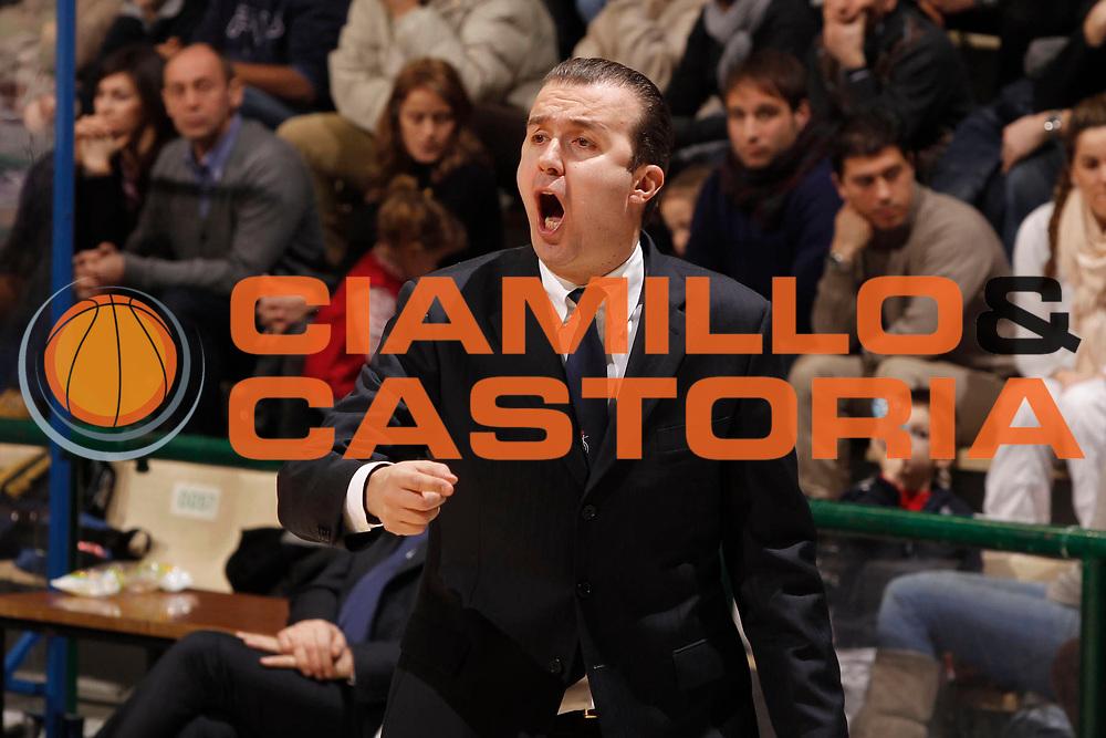 DESCRIZIONE : Siena Lega Basket A 2011-12  Montepaschi Siena Angelico Biella<br /> GIOCATORE : Simone Pianigiani<br /> CATEGORIA : coach<br /> SQUADRA : Montepaschi Siena<br /> EVENTO : Campionato Lega A 2011-2012 <br /> GARA : Montepaschi Siena Angelico Biella<br /> DATA : 12/02/2012<br /> SPORT : Pallacanestro  <br /> AUTORE : Agenzia Ciamillo-Castoria/ P.Lazzeroni<br /> Galleria : Lega Basket A 2011-2012  <br /> Fotonotizia : Siena Lega Basket A 2011-12 Montepaschi Siena Angelico Biella<br /> Predefinita :