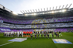 Real Madrid and Manchester City line up before kick off - Mandatory byline: Rogan Thomson/JMP - 04/05/2016 - FOOTBALL - Santiago Bernabeu Stadium - Madrid, Spain - Real Madrid v Manchester City - UEFA Champions League Semi Finals: Second Leg.