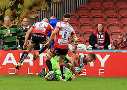 Henry Trinder of Gloucester Rugby scores his sides 2nd of the game - Mandatory by-line: Paul Roberts/JMP - 07/10/2017 - RUGBY - Kingsholm - Gloucester, England - Gloucester Rugby v Northampton Saints - Aviva Premiership