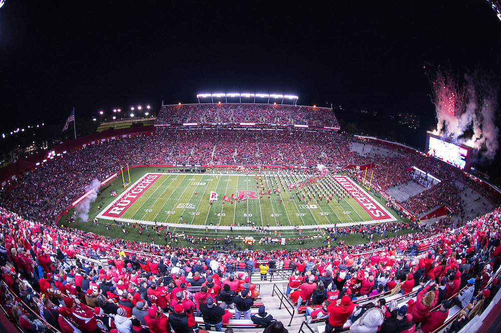 The Rutgers Scarlet Knights take on the Ohio State Buckeyes at High Point Solutions Stadium on Saturday night, October 24, 2015.<br />