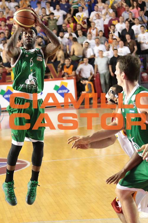 DESCRIZIONE : Roma Lega A 2012-2013 Acea Roma Montepaschi Siena finale gara 1<br /> GIOCATORE : Bobby Brown<br /> CATEGORIA : equilibrio three points<br /> SQUADRA : Montepaschi Siena<br /> EVENTO : Campionato Lega A 2012-2013 playoff finale gara 1<br /> GARA : Acea Roma Montepaschi Siena<br /> DATA : 11/06/2013<br /> SPORT : Pallacanestro <br /> AUTORE : Agenzia Ciamillo-Castoria/M.Simoni<br /> Galleria : Lega Basket A 2012-2013  <br /> Fotonotizia : Roma Lega A 2012-2013 Acea Roma Montepaschi Siena playoff finale gara 1<br /> Predefinita :