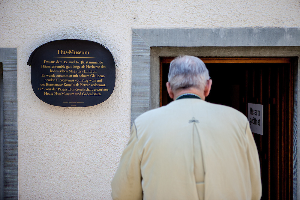 """Memorial plate with an inscription reminding about  Jan Hus who stayed 1414 in this house hosted by a widow called """"Fida"""". The house is located in the so called Hussenstraße Nr. 22 (Hussites Street) in the city of Konstanz (Constance) at the lake Constance. He was convicted as a heretic by the Council of Constance and burned at stake. His ideas and his death stirred up a revolution in Bohemia."""