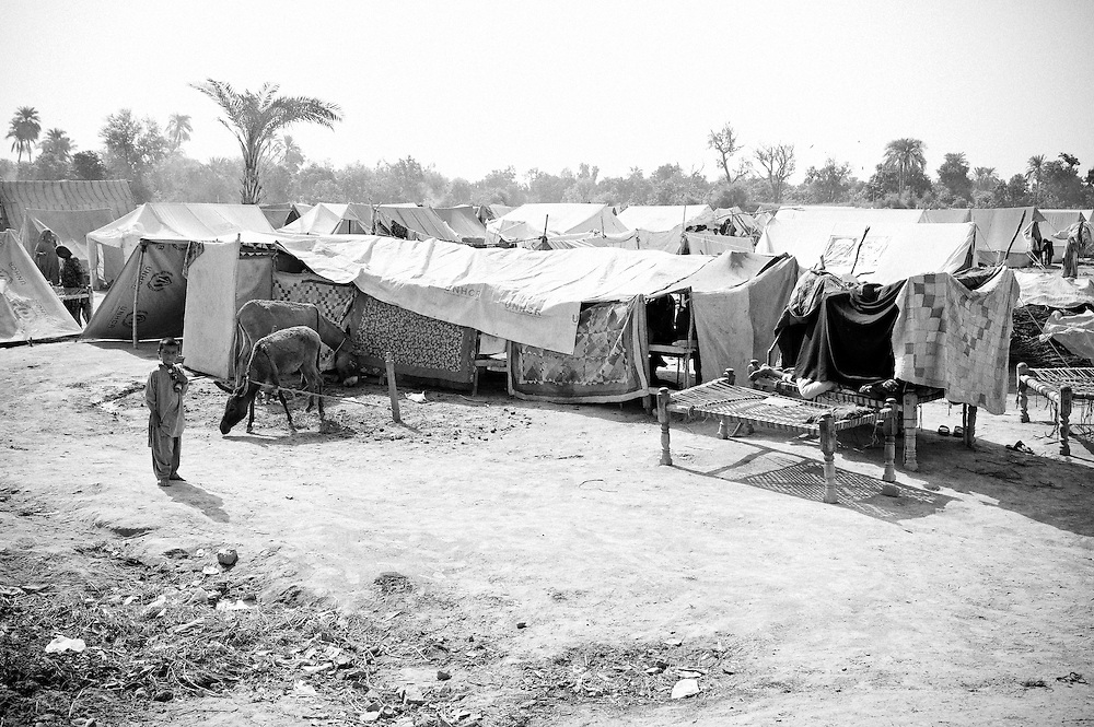 A tent camp housing families affected by the floods. Shikarpur, Pakistan, 2010