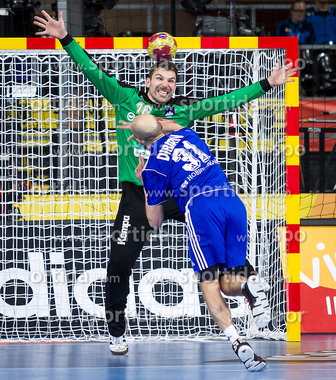 23.01.2013, Palau Sant Jordi, Barcelona, ESP, IHF, Handball Weltmeisterschaft der Herren, Viertelfinale, Russland vs Slovenien, im Bild Primoz Prost (SLO), Timur Dibirov (RUS) // Primoz Prost of Slovenia, Timur Dibirov of Russia during the Quaterfinal match of the IHF Handball World Championship between Russia and Slovenia at the Palau Sant Jordi, Barcelona, Spain on 2013/01/23. EXPA Pictures © 2013, PhotoCredit: EXPA/ Sebastian Pucher