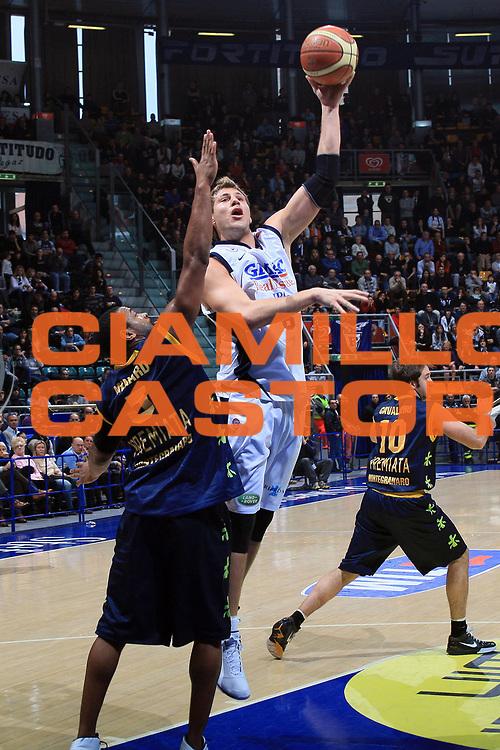DESCRIZIONE : Bologna Lega A1 2008-09 Gmac Fortitudo Bologna Premiata Montegranaro<br /> GIOCATORE : Stefano Mancinelli<br /> SQUADRA : Gmac Fortitudo Bologna<br /> EVENTO : Campionato Lega A1 2008-2009 <br /> GARA : Gmac Fortitudo Bologna Premiata Montegranaro<br /> DATA : 08/02/2009 <br /> CATEGORIA : tiro<br /> SPORT : Pallacanestro <br /> AUTORE : Agenzia Ciamillo-Castoria/G.Livaldi<br /> Galleria : Lega Basket A1 2008-2009 <br /> Fotonotizia : Bologna Campionato Italiano Lega A1 2008-2009 Gmac Fortitudo Bologna Premiata Montegranaro<br /> Predefinita :