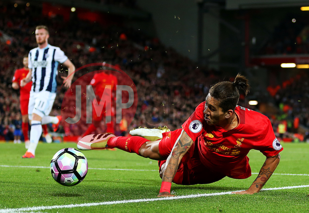 Roberto Firmino of Liverpool has a shot blocked - Mandatory by-line: Matt McNulty/JMP - 22/10/2016 - FOOTBALL - Anfield - Liverpool, England - Liverpool v West Bromwich Albion - Premier League