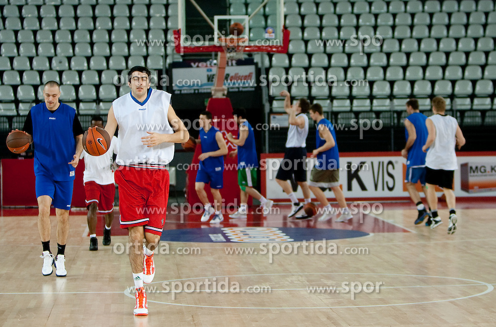 Giorgi Shermadini of Olimpija during practice session of basketball club KK Union Olimpija day before Euroleague Top 16 Round Match vs Lottomatica Roma, on January 19, 2011 in Arena PalaLottomatica, Rome, Italy. (Photo By Vid Ponikvar / Sportida.com)