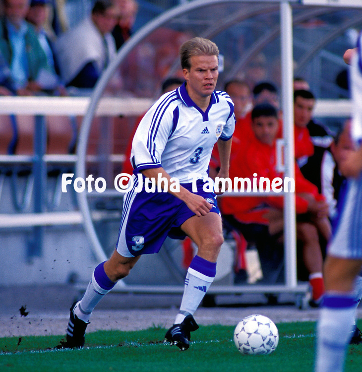 02.09.2000 Finnair Stadium, Helsinki, Finland. FIFA World Cup Qualifying Match, Finland v Albania. Aarno Turpeinen - Finland.©JUHA TAMMINEN