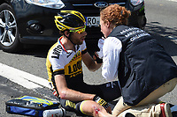 Sykkel<br /> Foto: PhotoNews/Digitalsport<br /> NORWAY ONLY<br /> <br /> TEN DAM Laurens of Team LottoNL-Jumbo, victim of the crash during the stage 3 of the 102nd edition of the Tour de France 2015 with start in Antwerp and finish in Huy, Belgium (159 kms) *** HUY, BELGIUM - 6/07/2015