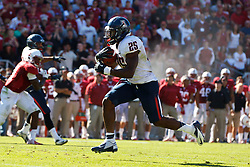 PALO ALTO, CA - OCTOBER 06: Running back Ka'Deem Carey #25 of the Arizona Wildcats rushes for a touchdown against the Stanford Cardinal during the fourth quarter at Stanford Stadium on October 6, 2012 in Palo Alto, California. The Stanford Cardinal defeated the Arizona Wildcats 54-48 in overtime. (Photo by Jason O. Watson/Getty Images) *** Local Caption *** Ka'Deem Carey