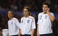 Photo: Paul Greenwood.<br />England v Spain. International Friendly. 07/02/2007. Engalnds Johnathan Woodgate, centre, in defence.