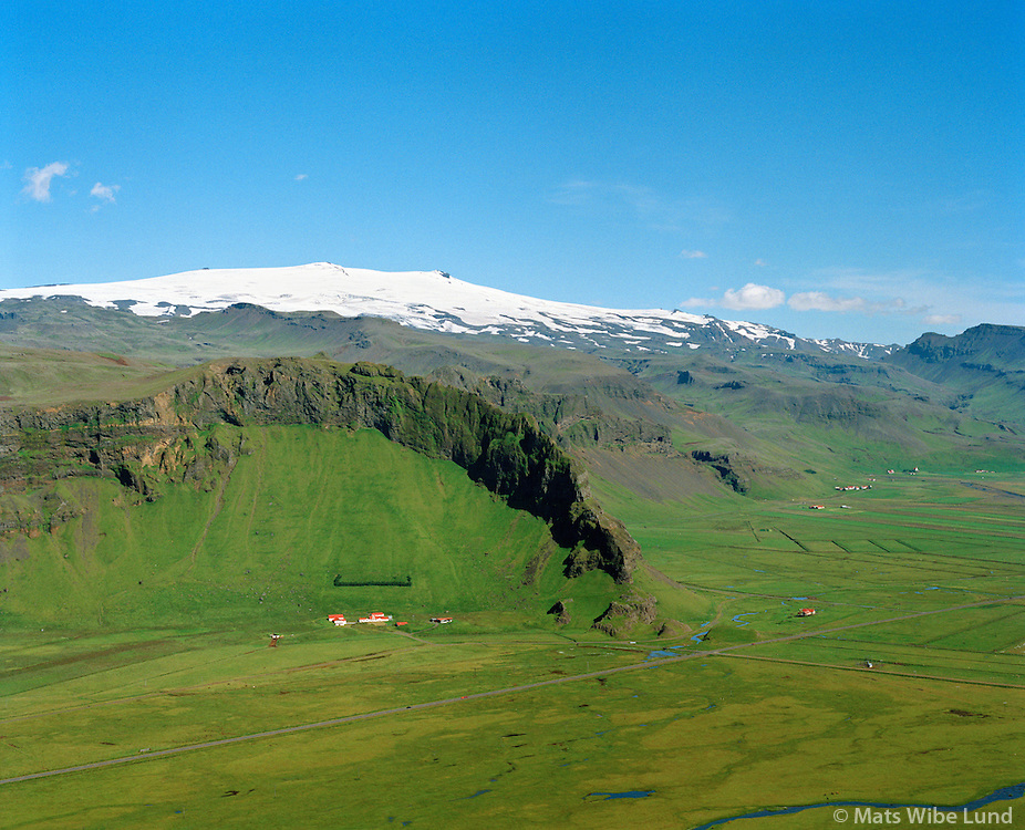 Hvammur séð til norðausturs, Eyjafjallajökull, Rangárþing eystra áður Vestur-Eyjafjallahreppur / Hvammur viewing northeast, Eyjafjallajokull glacier in background. Rangarthing eystra former Vestur-Eyjafjallahreppur.