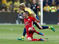 FODBOLD: Hany Mukhtar (Brøndby IF) begår frispark mod Lasse Fosgaard (Lyngby BK) under kampen i ALKA Superligaen mellem Brøndby IF og Lyngby Boldklub den 18. maj 2017 på Brøndby Stadion. Foto: Claus Birch