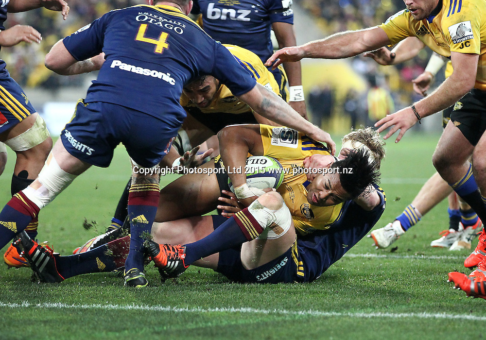 Hurricanes' Julian Savea fights towards the try line during the Super Rugby Final, Hurricanes v Highlanders. Westpac Stadium, Wellington, New Zealand. 4 July 2015. Copyright Photo.: Grant Down / www.photosport.nz