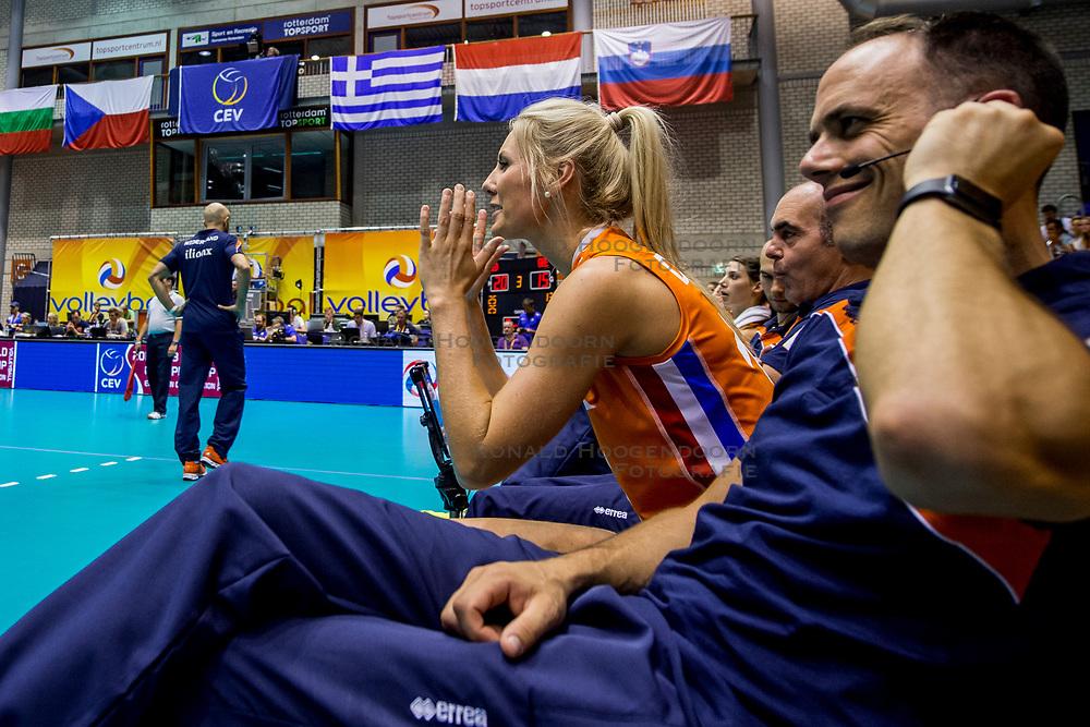 22-08-2017 NED: World Qualifications Netherlands - Greece, Rotterdam<br /> De Nederlandse volleybalsters zijn het kwalificatietoernooi voor het WK van volgend jaar in Japan begonnen met een simpele overwinning. In Rotterdam werd volleybaldwerg Griekenland met 3-0 verslagen: 25-13, 25-13, 25-18 / Laura Dijkema #14 of Netherlands, Assistent Coach Eelco Beijl