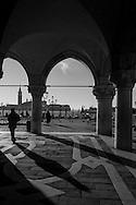 Italy. Venice. Piazzetta San Marco and ducal palace . in the distance San Giorgio Maggiore church and island, /   la Piazzetta San Marco et palais des doges , au loin l eglise San Giorgio Maggiore