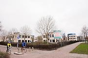 Bij het bedrijventerrein Kerkenbos in Nijmegen worden drie van de vier fietsverbindingen afgesloten om te voorkomen dat dieven en dergelijke de paden gebruiken om te vluchten. De fietsverbindingen zijn echter belangrijk voor de schoolgaande jeugd
