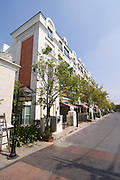 Luxurious appartments at Thonglor (Sukhumvit Soi 55), at this time Bangkok's most fashionable area.