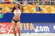 Footbal-FIFA Beach Soccer World Cup 2006 -  Oficial Games BRA x POL -Cheer Leader , Brazil - 03/11/2006.<br />Mandatory Credit: FIFA/Ricardo Ayres