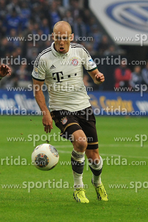 21.09.2013, Veltins Arena, Gelsenkirchen, GER, 1. FBL, Schalke 04 vs FC Bayern Muenchen, 6. Runde, im Bild Arjen Robben ( FC Bayern Muenchen/ Freisteller ) // during the German Bundesliga 6th round match between Schalke 04 and FC Bayern Munich at the Veltins Arena, Gelsenkirchen, Germany on 2013/09/21. EXPA Pictures &copy; 2013, PhotoCredit: EXPA/ Eibner/ Thomas Thienel<br /> <br /> ***** ATTENTION - OUT OF GER *****