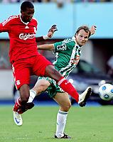 Fotball<br /> 19.07.2009<br /> Rapid Wien v Liverpool<br /> Foto: Gepa/Digitalsport<br /> NORWAY ONLY<br /> <br /> Bild zeigt Damien Paessis (Liverpool) und Markus Heikkinen (Rapid)