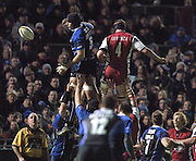 2005/06 Powergen Cup, Bath Rugby vs Gloucester Rugby, Bath's Danny Grewcock [left] deflects the ball in the line out, Gloucester's Adam Eustace challenges, as Bath Rugby run out winners against Gloucester atThe Rec, on the 03.12.2005.   © Peter Spurrier/Intersport Images - email images@intersport-images..