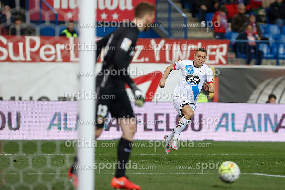 12.03.2016, Estadio Vicente Calderon, Madrid, ESP, Primera Division, Atletico Madrid vs RC Deportivo La Coruna, 29. Runde, im Bild Atletico de Madrid&acute;s Oblak and Deportivo de la Coruna&acute;s Jonathan // during the Spanish Primera Division 29th round match between Atletico Madrid and RC Deportivo La Coruna at the Estadio Vicente Calderon in Madrid, Spain on 2016/03/12. EXPA Pictures &copy; 2016, PhotoCredit: EXPA/ Alterphotos/ Victor Blanco<br /> <br /> *****ATTENTION - OUT of ESP, SUI*****