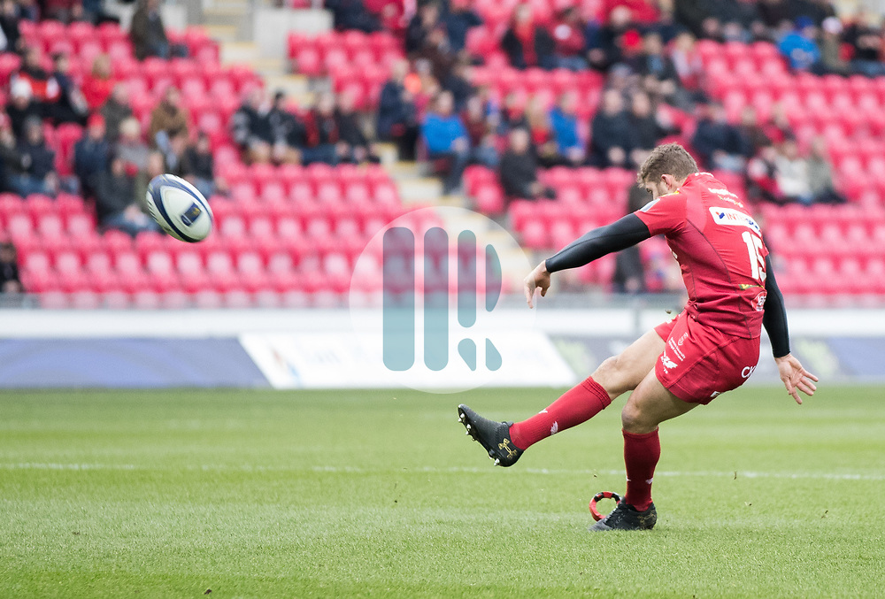 Scarlets' Leigh Halfpenny converts<br /> <br /> Photographer Simon King/Replay Images<br /> <br /> EPCR Champions Cup Round 3 - Scarlets v Benetton Rugby - Saturday 9th December 2017 - Parc y Scarlets - Llanelli<br /> <br /> World Copyright © 2017 Replay Images. All rights reserved. info@replayimages.co.uk - www.replayimages.co.uk