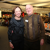 JoAnn and Library Foundation President Ted Sanditz