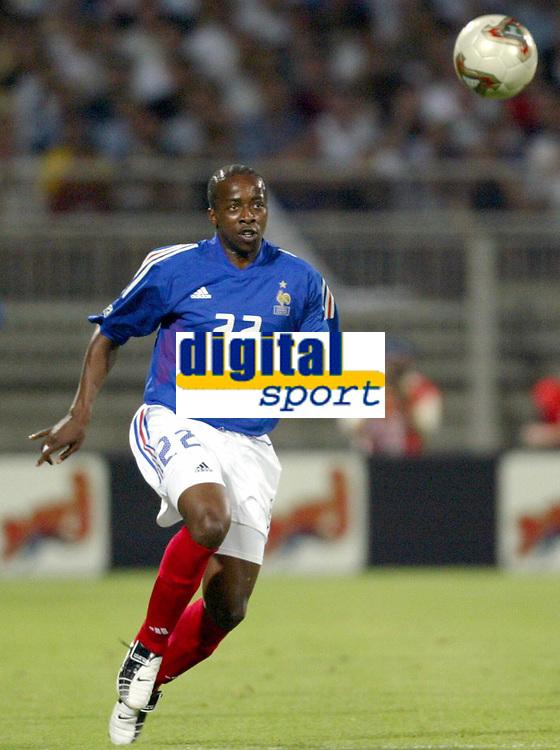 FOOTBALL - CONFEDERATIONS CUP 2003 - GROUP A - 030618 - FRANKRIKE v COLOMBIA - SYDNEY GOVOU (FRA) - PHOTO GUY JEFFROY / DIGITALSPORT