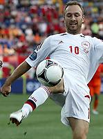 Fotball<br /> EM 2012<br /> 09.06.2012<br /> Danmark v Nederland / Holland<br /> Foto: Gepa/Digitalsport<br /> NORWAY ONLY<br /> <br /> UEFA Europameisterschaft 2012 in Polen und der Ukraine, Laenderspiel, Gruppenphase, Niederlande vs Daenemark. <br /> <br /> Bild zeigt Dennis Rommedahl (NED).