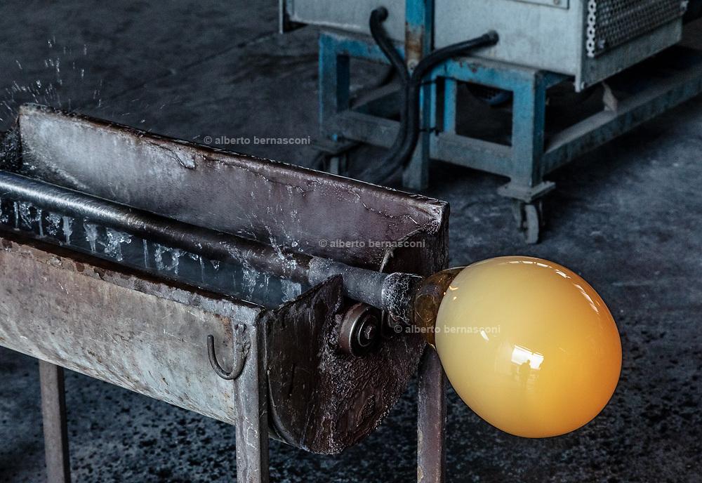 Italy, Veneto, Piombino Dese: New Group Glass Vetreria, working for Pulpo designers