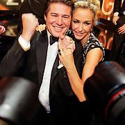 NLD/Amsterdam/20121019- Televiziergala 2012, winnaars Wendy van Dijk en Martijn Krabbe