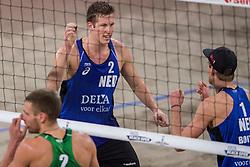 07-01-2018 NED: DELA Beach Open day 5, Den Haag<br /> Christiaan Varenhorst NED #1 (foto) en Jasper Bouter NED #2 gaan om het brons strijden. Ze verloren in de halve finale van de Letten Plavins en Tocs. Het werd een spannende partij waarin de beslissing pas in de derde set viel: 11-15 verlies.