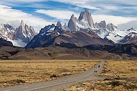CERRO FITZ ROY O CHALTEN (3.405 m), PARQUE NACIONAL LOS GLACIARES, PROVINCIA DE SANTA CRUZ, ARGENTINA (PHOTO © MARCO GUOLI - ALL RIGHTS RESERVED)