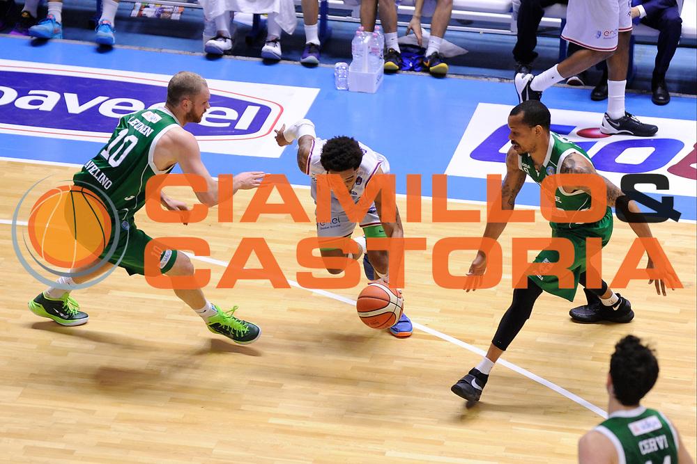 DESCRIZIONE : Brindisi  Lega A 2015-16<br /> Enel Brindisi -Sidigas Scandone Avellino<br /> GIOCATORE : Adrian Banks<br /> CATEGORIA : Palleggio Penetrazione<br /> SQUADRA : Enel Brindisi<br /> EVENTO : Campionato Lega A 2015-2016<br /> GARA :Enel Brindisi-Sidigas Scandone Avellino<br /> DATA : 14/03/2016<br /> SPORT : Pallacanestro<br /> AUTORE : Agenzia Ciamillo-Castoria/D.Matera<br /> Galleria : Lega Basket A 2015-2016<br /> Fotonotizia : Brindisi  Lega A 2015-16 Enel Brindisi-Sidigas Scandone Avellino<br /> Predefinita :