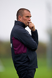 LONDON, ENGLAND - Saturday, November 4, 2017: West Ham United coach Steve Potts during the Under-18 Premier League Cup Group D match between West Ham United FC and Liverpool FC at Little Heath. (Pic by David Rawcliffe/Propaganda)